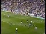 C Ronaldo Kick Ronaldinho Ass