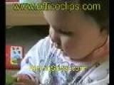Videos Graciosos - Bebe Leyendo