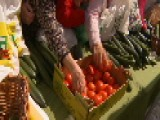Spanish Farmers Give Away Food