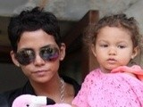 E! News Now Halle Berry Loses Cool With Paps