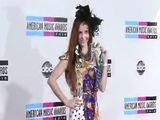 AMA 2010 Fashion Snapshot Phoebe Price