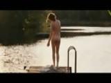 Marie-Josée Croze Shows Her Nice Butt To François Cluzet