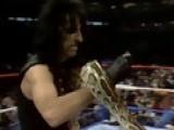WWE Classics - WrestleMania Moments: Jake Roberts Vs. The Honky Tonk Man